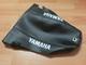 istuimen päällinen - Yamaha DT50 ´04- ( hiilikuitu/musta tekstillä )
