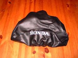 istuimen päällinen Honda Monkey