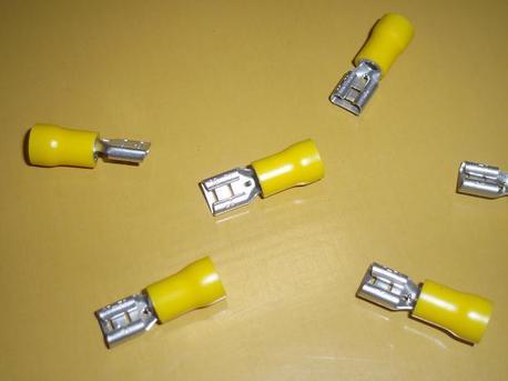 lattaliitin naaras - keltainen 6.3mm ( 4 - 6mm² johdolle )
