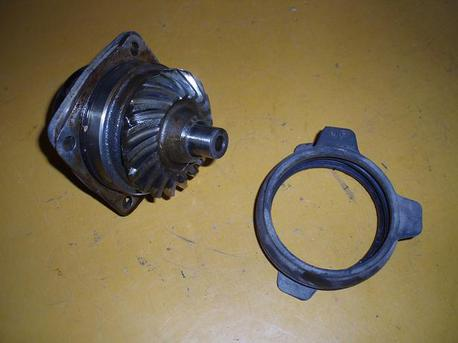 kulmavaihteen ratas, Honda NTV650 Revere