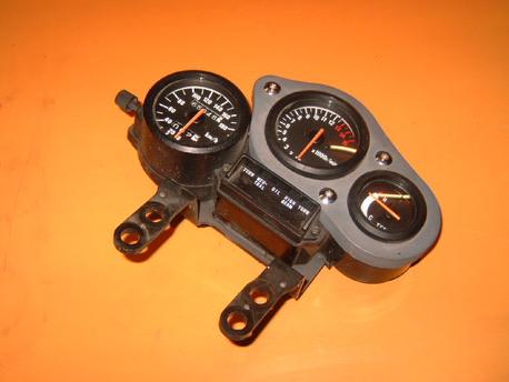 RG125F ´92 mittaristo täydellinen