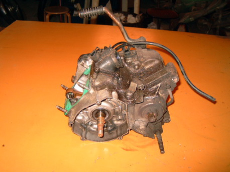 TZR125 ´90, moottorin alakerta